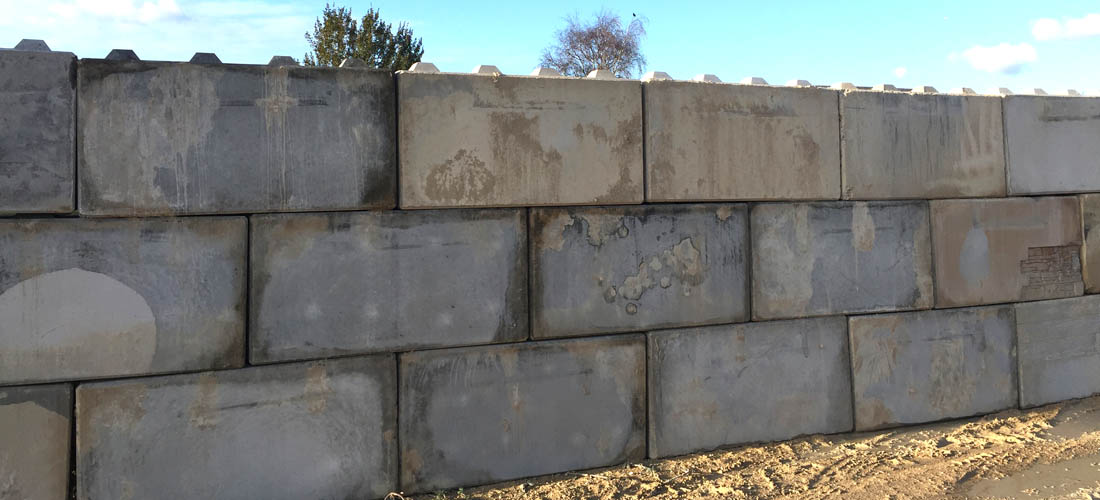 Blocs b ton lego meaux for Garage bloc beton